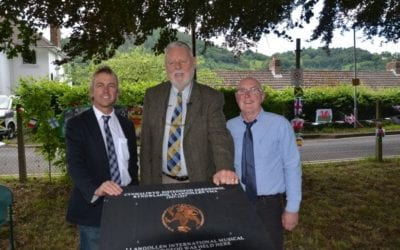 Plaque unveiling at Eisteddfod